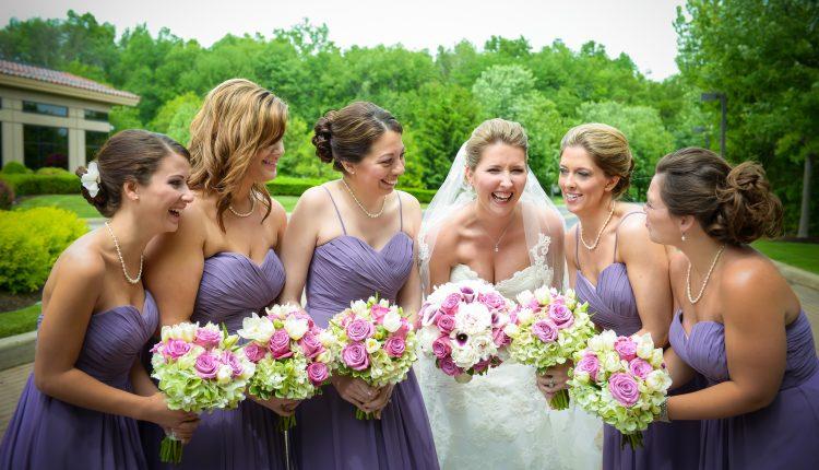 5 mẹo biến khách mời thành thợ chụp ảnh cưới đáng yêu cho đám cưới