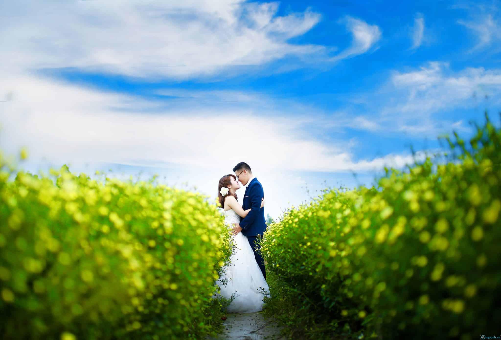 2. Chụp ảnh cưới tại địa điểm nổi tiếng