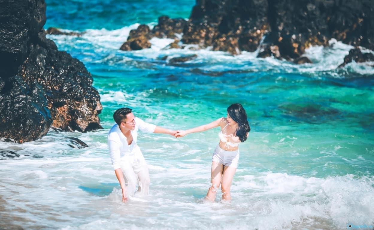 Ảnh cưới được chụp tại bờ biển