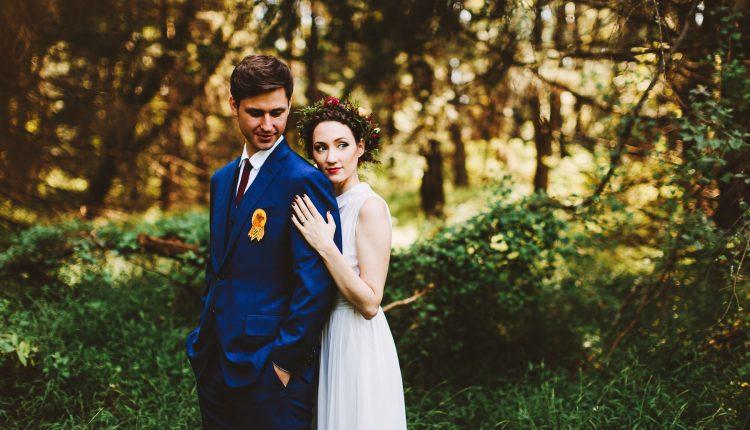 So sánh chụp ảnh cưới trong studio hay chụp ảnh cưới ngoại cảnh