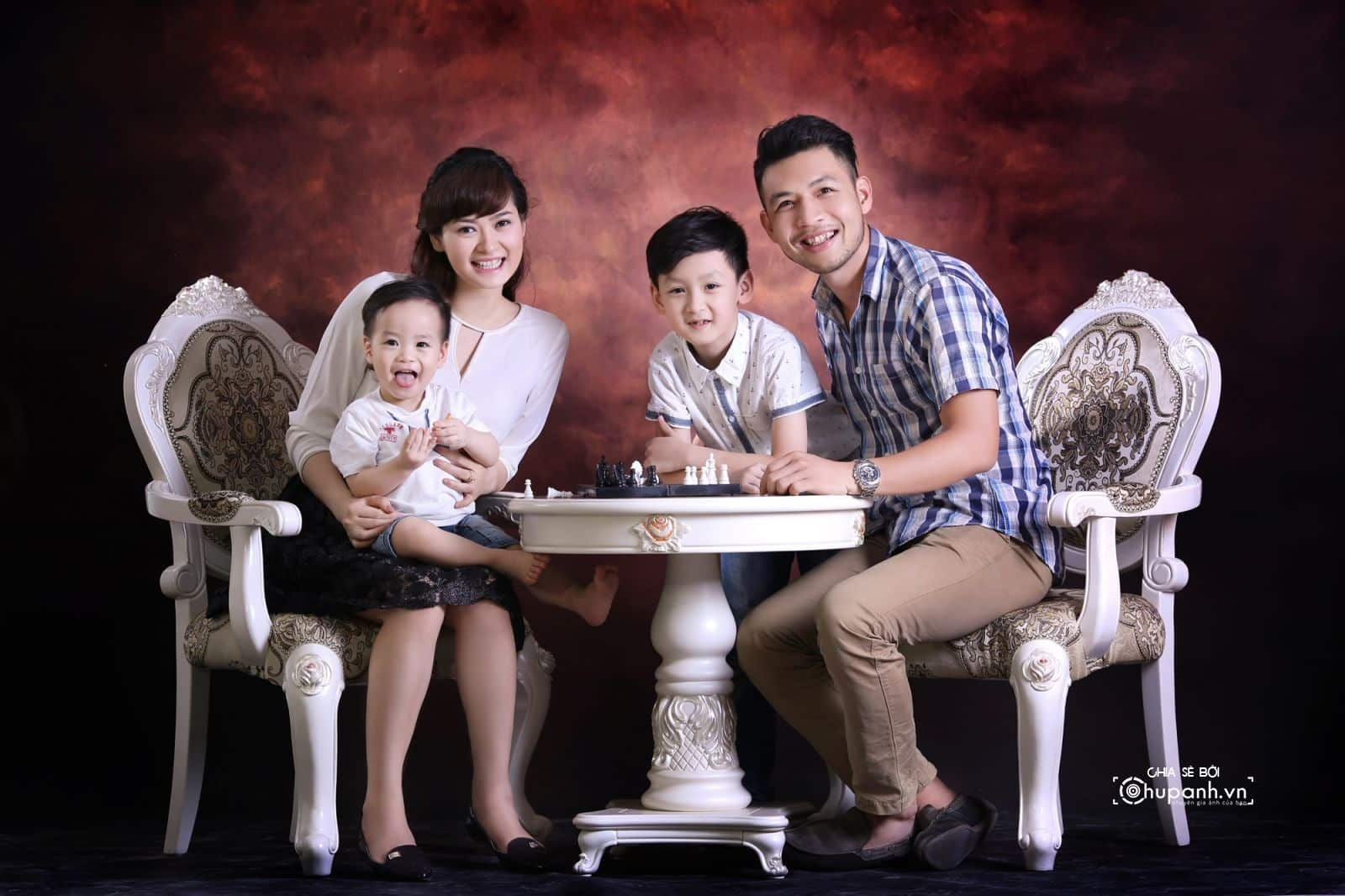 Concept chụp ảnh gia đình tại studio GĐ003
