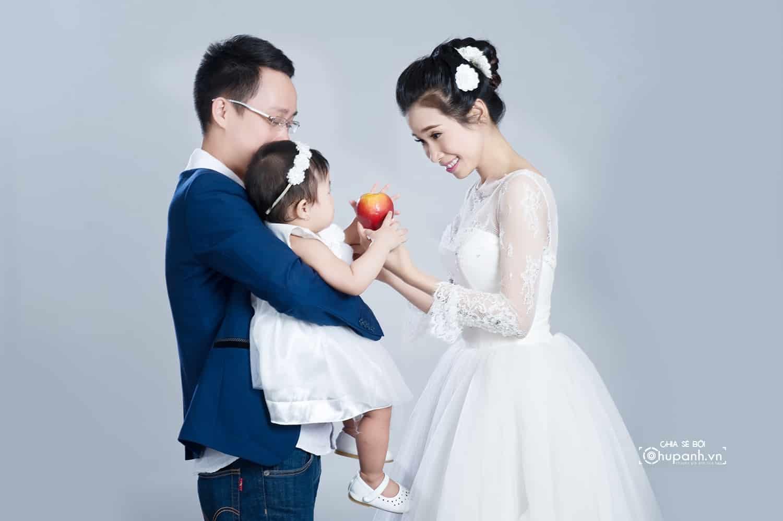 Concept chụp ảnh gia đình tại studio GĐ008