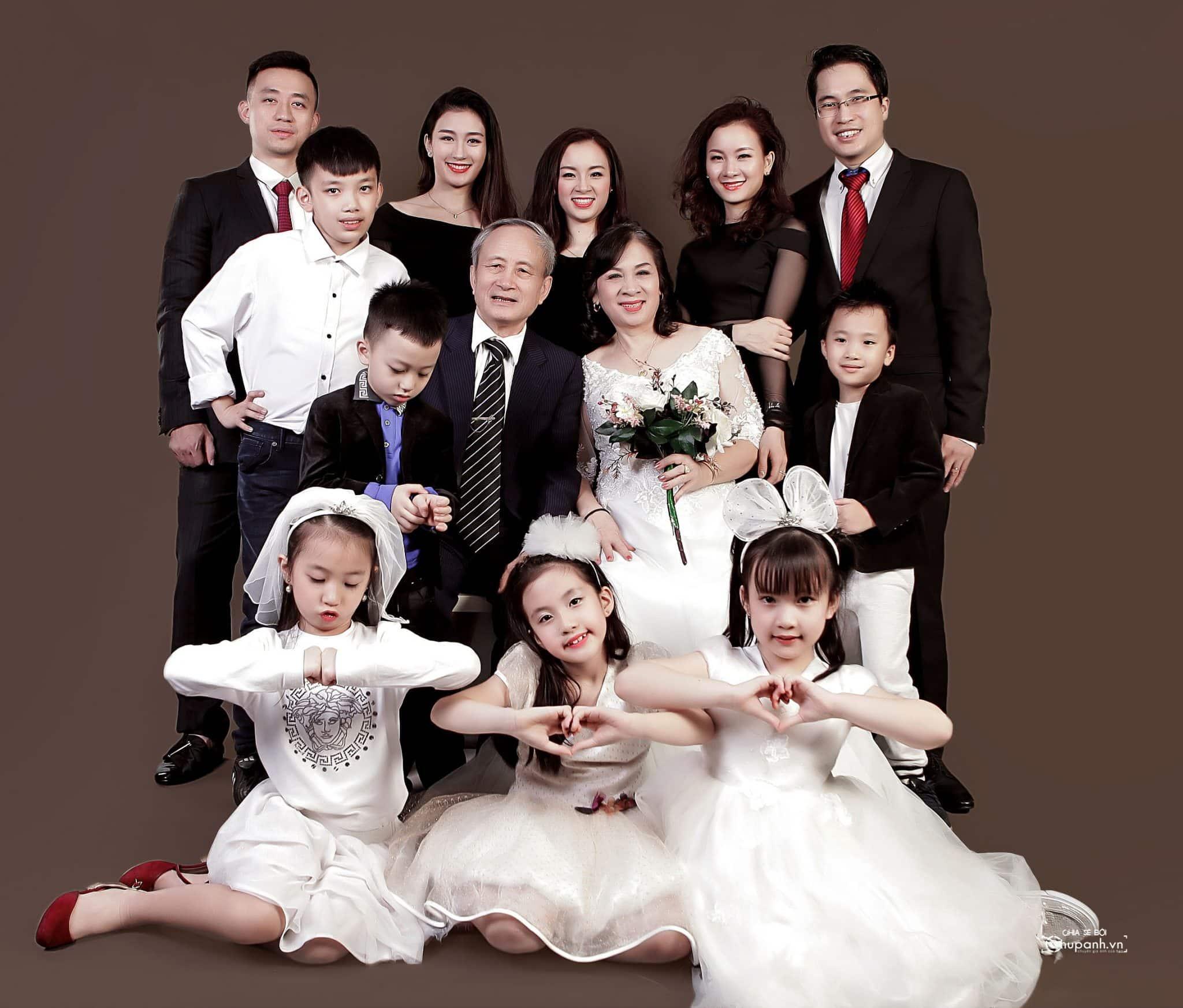 Concept chụp ảnh gia đình tại studio GĐ012