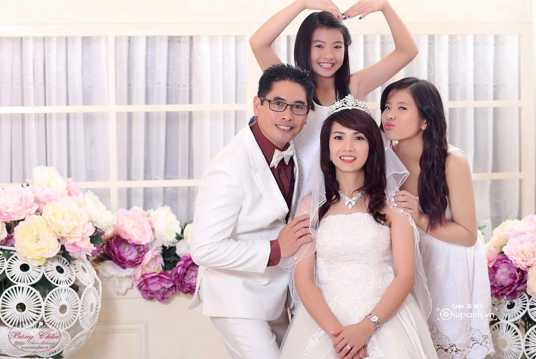 Concept chụp ảnh gia đình theo phong cách ảnh cưới GĐ006