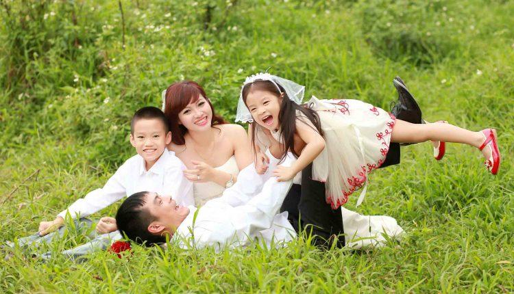 Concept chụp ảnh gia đình theo phong cách ảnh cưới- GĐ004