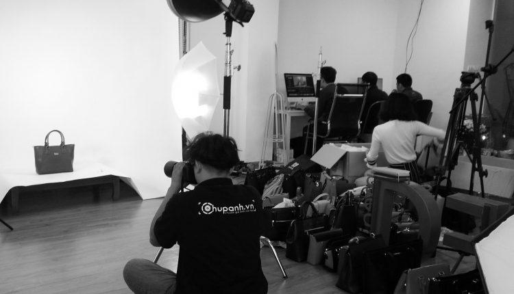 Chụp ảnh sản phẩm túi xách