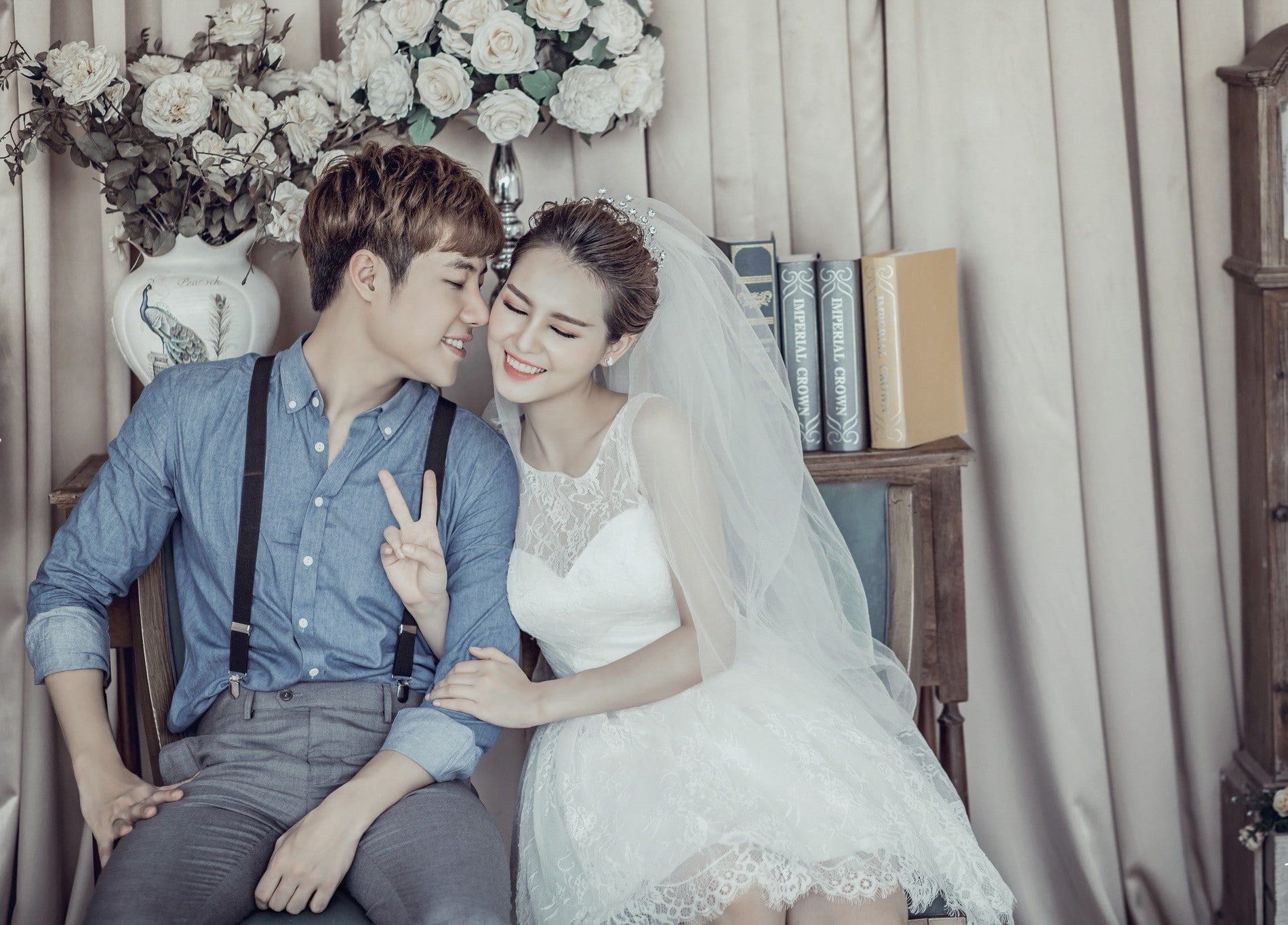 Chụp ảnh cưới trong studio lãng mạn như Hàn Quốc